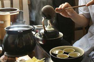 Thú thưởng trà xưa và nay của người Việt
